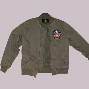Undefeated Mens bomber olive green jacket size M